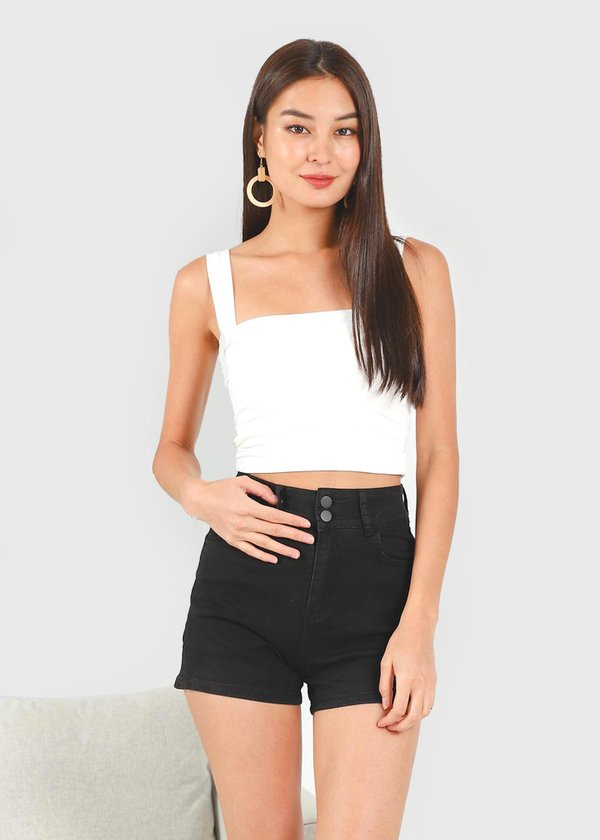 Kurl Highwaisted Double Button shorts in Black